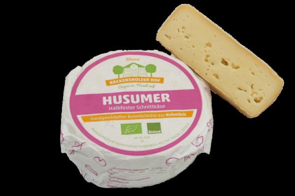 Husumer, Bio